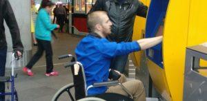 rolstoeler bij automaat